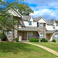 Apple Valley Townhomes - North Little Rock, AR 72118