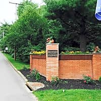 Monticello Apartments & Townhomes - Youngstown, OH 44505
