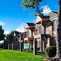 Ashford Pointe - Houston, TX 77082