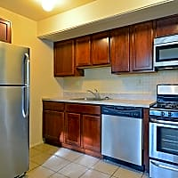 Central Park Townhomes - York, PA 17406