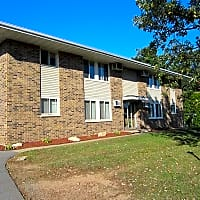 Lakeshore Apartments - Wausau, WI 54401