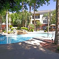 Estates On Maryland - Phoenix, AZ 85015