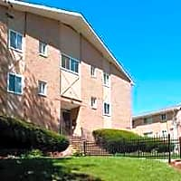 Rutgers Court Apartments - Belleville, NJ 07109