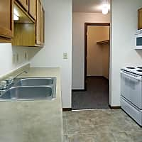 Washington Heights Apartments - Bismarck, ND 58503