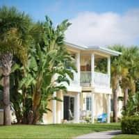 Snell Isle Luxury Apartment Homes - Saint Petersburg, FL 33704