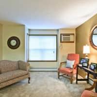 Carriage House Apartments - Moorhead, MN 56560