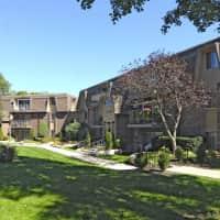 Burnwood Apartments - Lombard, IL 60148