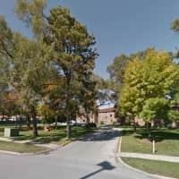 Carroll Square - Elk Grove Village, IL 60007