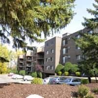 Creek Point Apartments - Hopkins, MN 55343