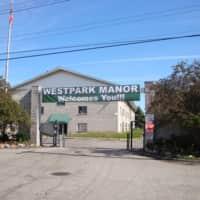West Park Manor Apartments - Detroit, MI 48228