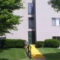 Pine Hill Apartments - Howell, MI 48843
