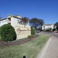 Signature Park Apartment Homes - Bryan, TX 77802