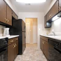 Governor Square Apartments And Townhomes - Carmel, IN 46032