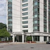 Maple Pointe Senior Apartments - Chicago, IL 60610