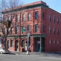 Prague Apartments - Omaha, NE 68108