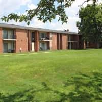 Macomb Manor - Roseville, MI 48066