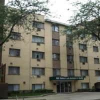 Sheridan Lake Apartments - Chicago, IL 60660
