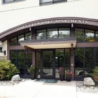 Oaks Glen Lake Apartments - Minnetonka, MN 55345