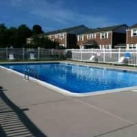 Colonial Village Apartments - Glastonbury, CT 06033
