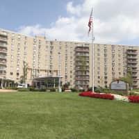 Hummingbird Pointe Apartments - Parma, OH 44129