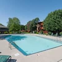 Gray's Lake Apartments - Des Moines, IA 50321