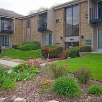 College Square Apartments - Greendale, WI 53129