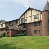 Royal Crest Warwick Apartment Homes - Warwick, RI 02886