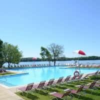 Salem Harbour Riverfront Resort - Bensalem, PA 19020