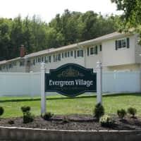 Evergreen Village Apartments - Elyria, OH 44035
