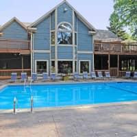 Greenhill Apartments - Kalamazoo, MI 49006
