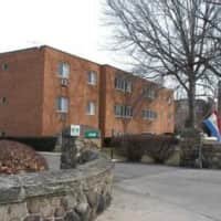 Shady Cove Apartments - Lakewood, OH 44107