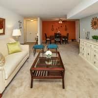 Lakewood Hills Apartments & Townhomes - Harrisburg, PA 17109