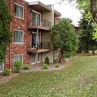 Apache Manor - Saint Anthony, MN 55421