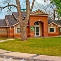 University Club Apartments - Waco - Waco, TX 76704