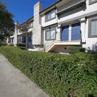 Villa Grande Townhome Apartments - Reseda, CA 91335