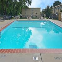 Davern Park Apartments - Saint Paul, MN 55116
