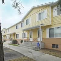 Paradise Plaza Apartments - Topeka, KS 66607