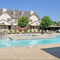 River Oaks Apartments - Kentwood, MI 49512