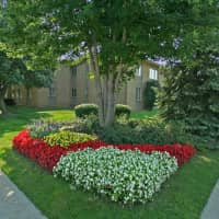 Dearborn West Apartments - Dearborn Heights, MI 48127