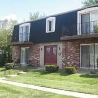 Villa St. Cyr - Saint Louis, MO 63137