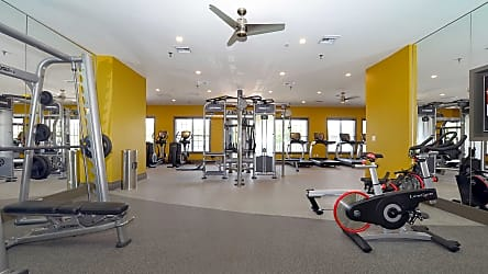 Exceptionnel Kitchen Carpeted Bedrooms 24 Hour Fitness Center 24 Hour Fitness Center  Leasing Office Reserve At Potomac Yard Apartments ...