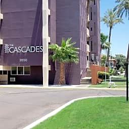 Cascades Luxury Apartments - Phoenix, Arizona 85018