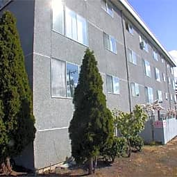 Blue Ribbon Apartments - Burien, Washington 98166