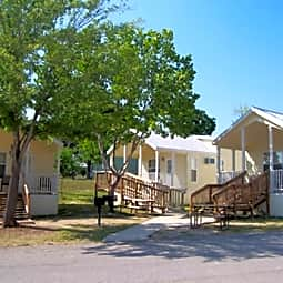Hill Country Cottage Rentals - New Braunfels, Texas 78130