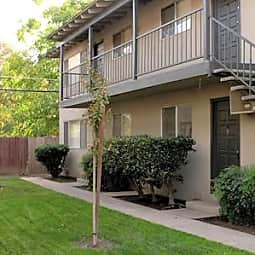 Walnut Crest Apartments - Carmichael, California 95608