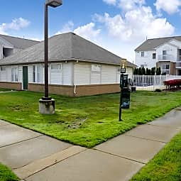 Chestnut Court Apartments - Wayne, Michigan 48184
