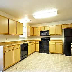 Regency Court Apartments - Bloomington, Indiana 47401