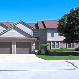 Birchwood Pointe Apartments - Midland, Michigan 48642