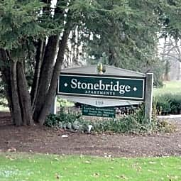 Stonebridge Apartments - Ellington, Connecticut 6029