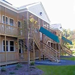 3 Bennett Way Apartments - Newmarket, New Hampshire 3857